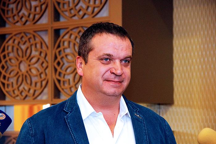 ՌԴ ԱՆ Պետրովի անվան ուռուցքաբանության հետազոտական ինստիտուտի ամենահայտնի վիրաբույժներից Ալեքսեյ Կարաչուն